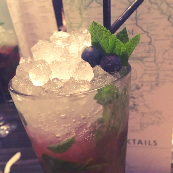 Sohe amaretto and blueberry mojito